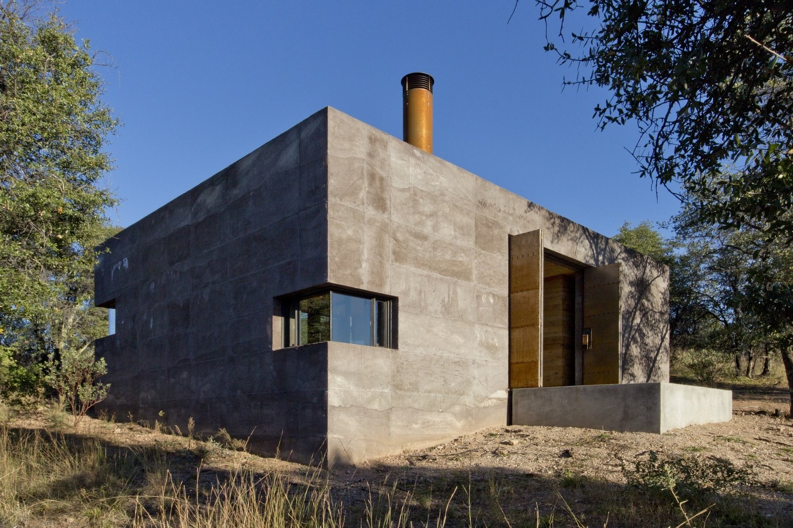 Casa Caldera   Brutal Beauty by Gessato
