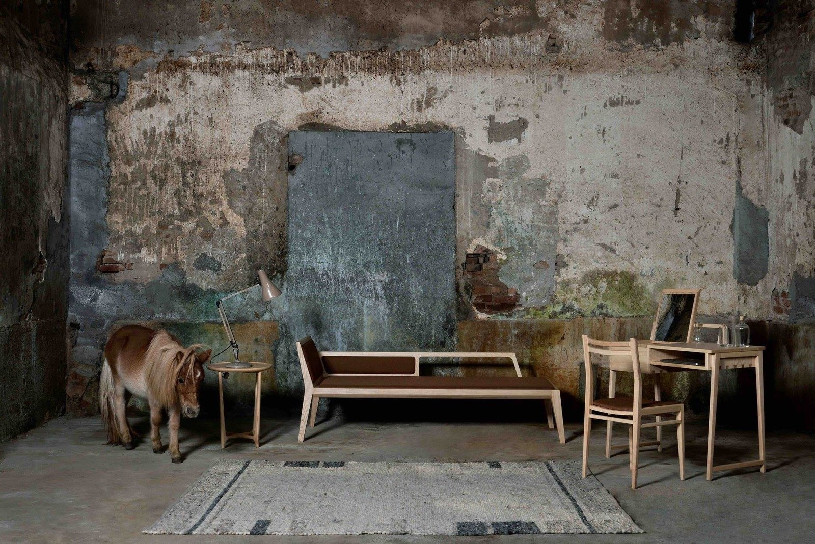 Photo 2 of 6 in Fnji Furniture