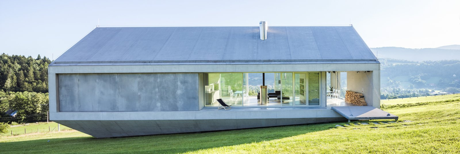 Photo 1 of 8 in A Striking Modern House Built In A Pastoral Landscape
