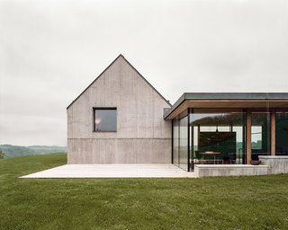 A Former Wine Press House Becomes a Modern Vineyard Home - Photo 4 of 14 -