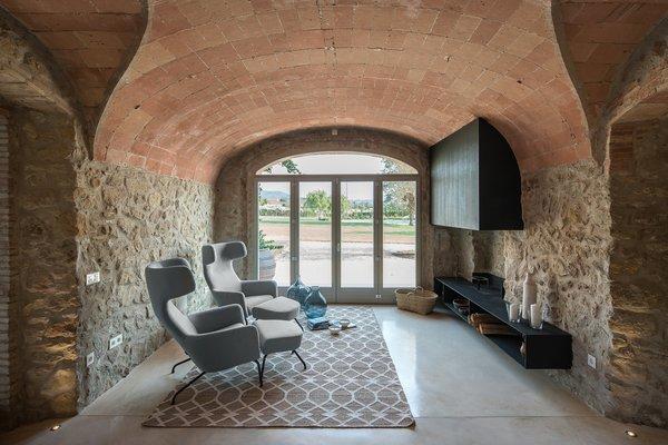 Farmhouse In Girona, Spain - Photo 3 of 13 -