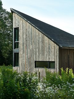 The Sisters, Where Rustic Interior Design Meets Minimalism - Photo 2 of 7 -