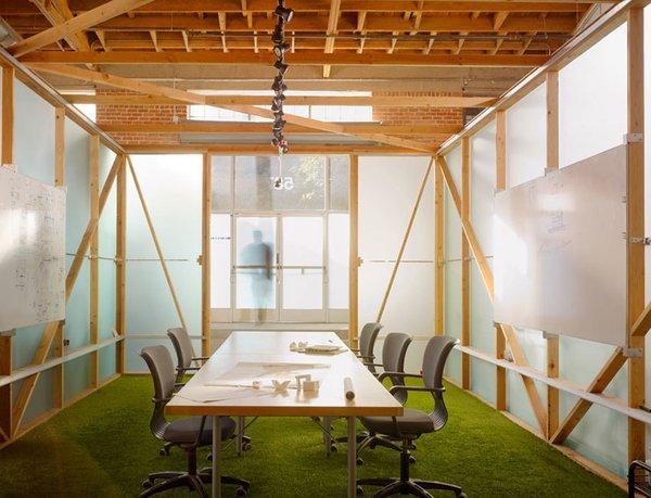 #architectsstudio #office #officespace #meetingroom #conferenceroom #exposedbeams Photo 4 of Architect's Studio modern home