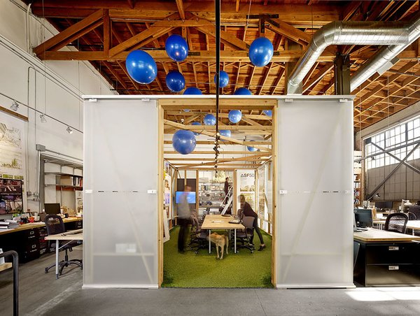 #architectsstudio #office #officespace #meetingroom #conferenceroom #exposedbeams Photo 6 of Architect's Studio modern home