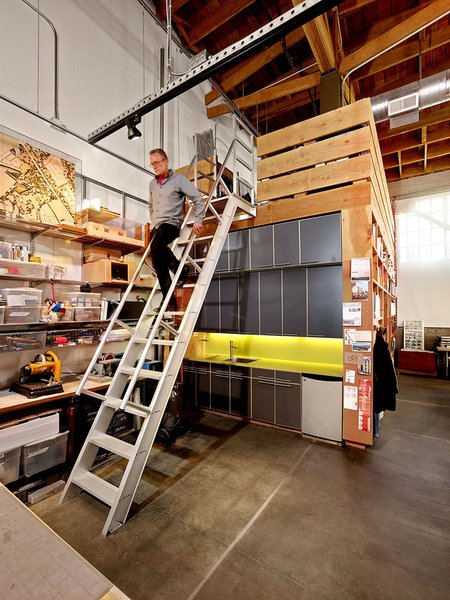 #architectsstudio #office #officespace #exposedbeams Photo 8 of Architect's Studio modern home