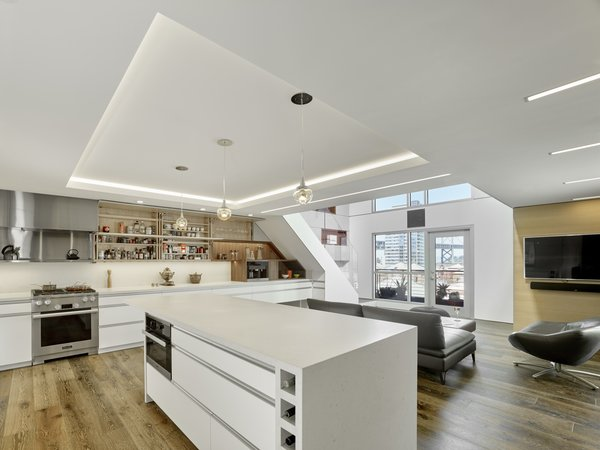 Modern home with kitchen. Photo 3 of SOMA:loft
