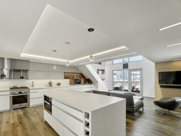 Modern home with kitchen. Photo 4 of SOMA:loft