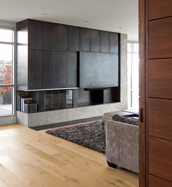 Modern home with living room. Photo 4 of SOMA:Penthouse