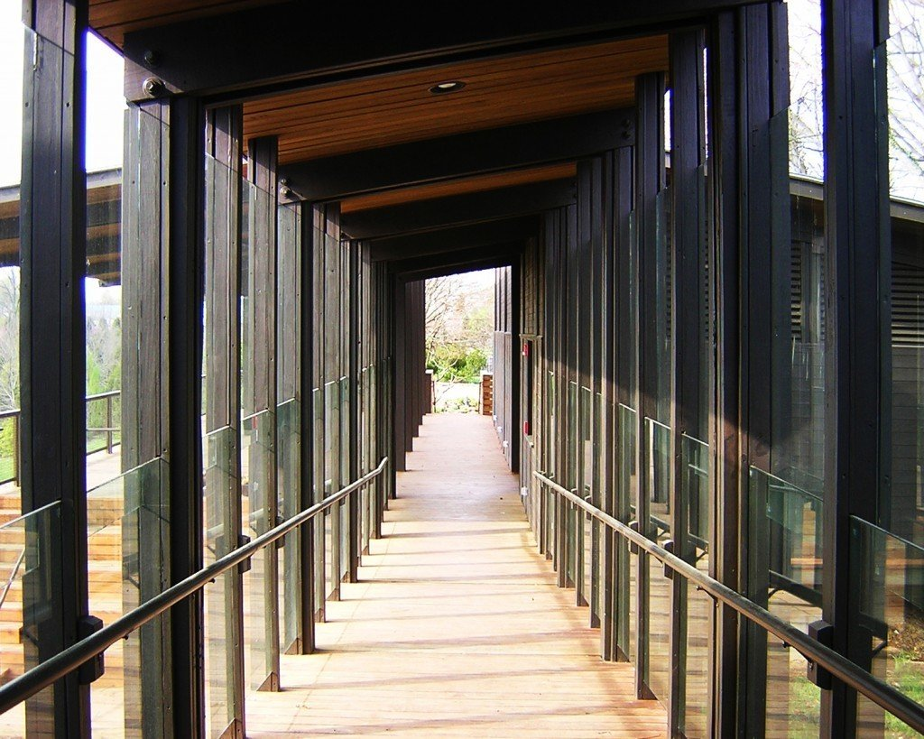 #yewdell #botanicalgarden #gheens #barn #gheensbarn #crestwood #kentucky #peytonsamuelheadtrust #pavilion #yewdellbotanicalgarden #sustainable #lowtech #tress #glass #dimensionallumber #exterior #architecture #modern #outside #outdoor #barn #wood #walkway #glass