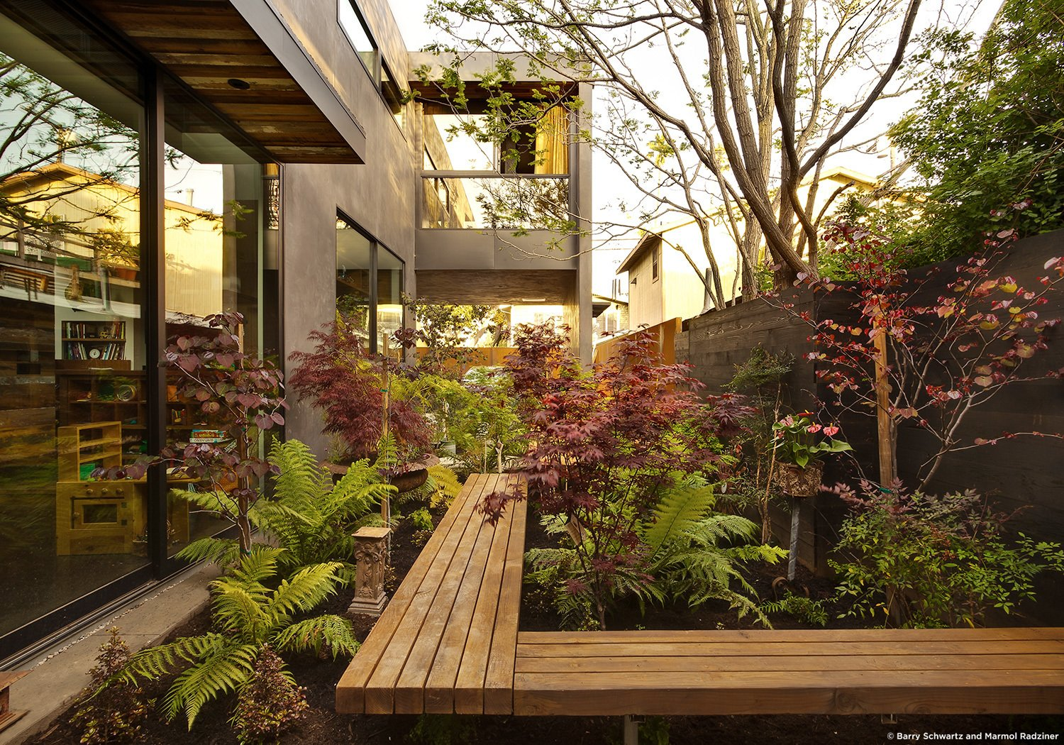 #SelaResidence #modern #midcentury #privacy #openness #two-story #lighting #exterior #outside #outdoor #landscape #green #windows #glass #seating #wood #panels #Venice #California #MarmolRadziner  Sela Residence by Marmol Radziner