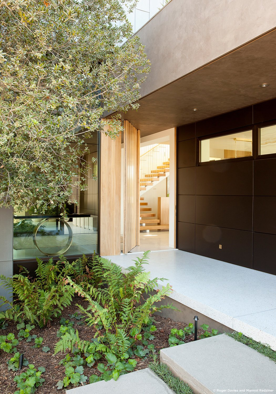 #SummitridgeResidence #modern #midcentury #levels #exterior #outside #outdoor #landscape #green #geometry #interior #staircase #structure #BeverlyHills #MarmolRadziner  Summitridge Residence by Marmol Radziner