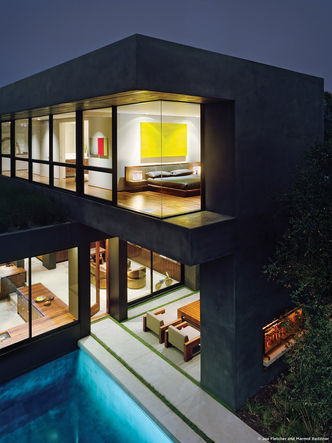 #ViennaWayResidence #modern #midcentury #exterior #outside #outdoors #levels #landscape #structure #geometry #lighting #pool #green #Venice #California #MarmolRadziner  Vienna Way Residence by Marmol Radziner