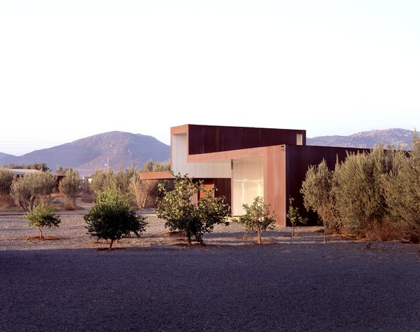 #SebastianMariscal #exterior #landscape #steel  Photo 4 of Vinicola Esere modern home