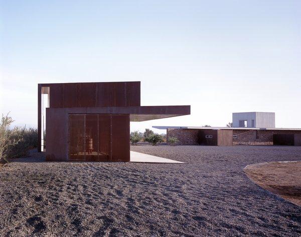 #SebastianMariscal #exterior #landscape #steel  Photo 3 of Vinicola Esere modern home