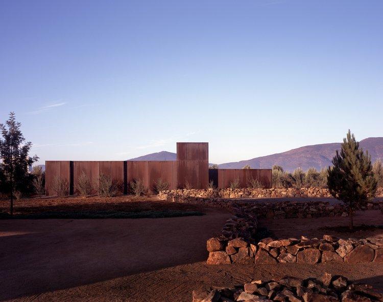 #SebastianMariscal #exterior #landscape #steel