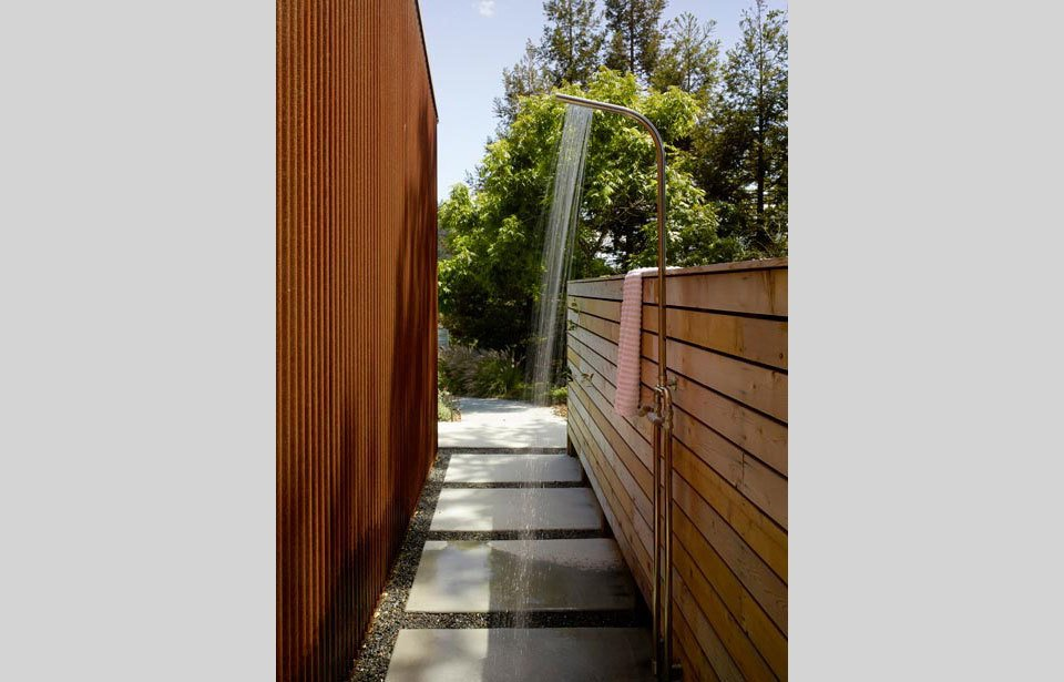 #TurnbullGriffinHaesloop #outdoor #exterior #landscape #bathroom #shower  Cloverdale Residence by Turnbull Griffin Haesloop Architects