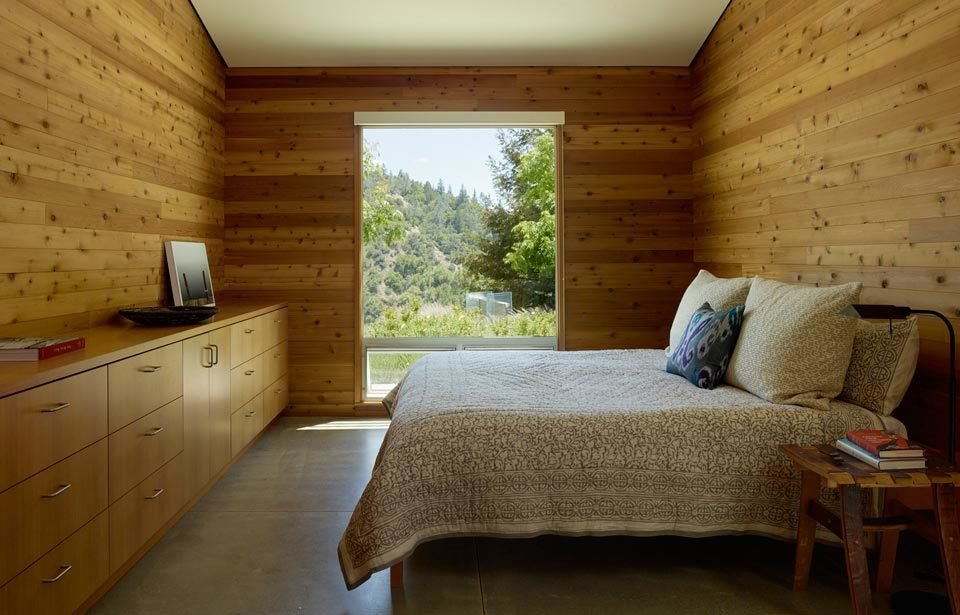 #TurnbullGriffinHaesloop #inside #interior #bedroom #window #light  Cloverdale Residence by Turnbull Griffin Haesloop Architects
