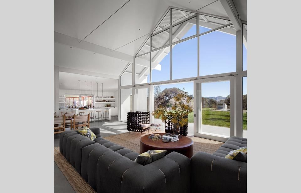 #TurnbullGriffinHaesloop #homestead #inside #indoor #interior #livingroom #couch #window #kitchen  Hupomone Ranch by Turnbull Griffin Haesloop Architects