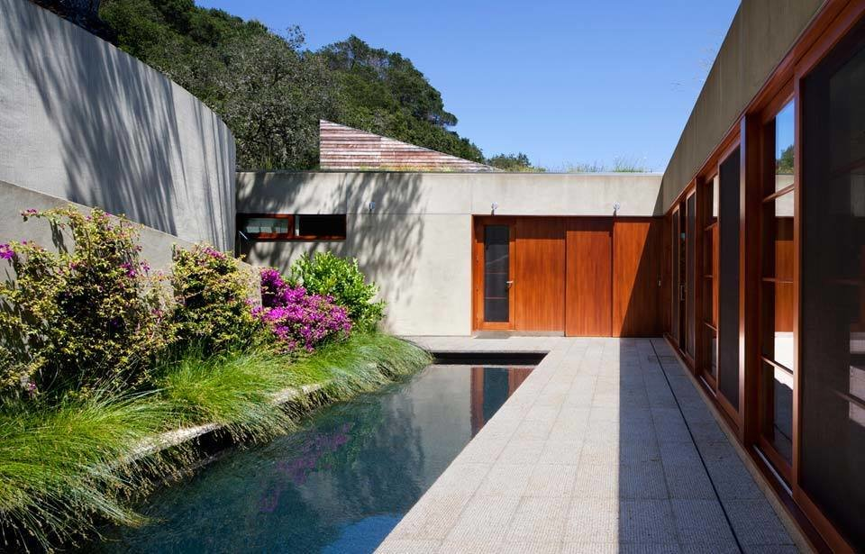 #TurnbullGriffinHaesloop #outdoor #outside #exterior #landscape #pool  Kentfield Residence by Turnbull Griffin Haesloop Architects