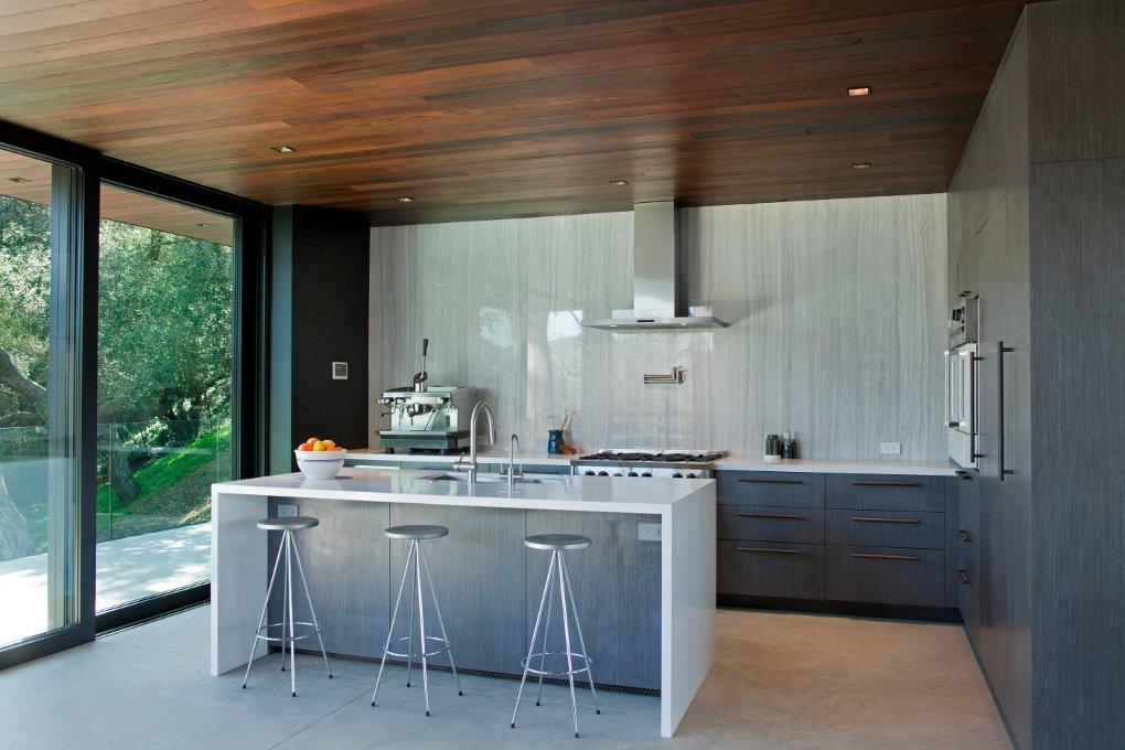 #WalkerWorkshop #inside #interior #indoor #kitchen  Oak Pass Guest House by Walker Workshop