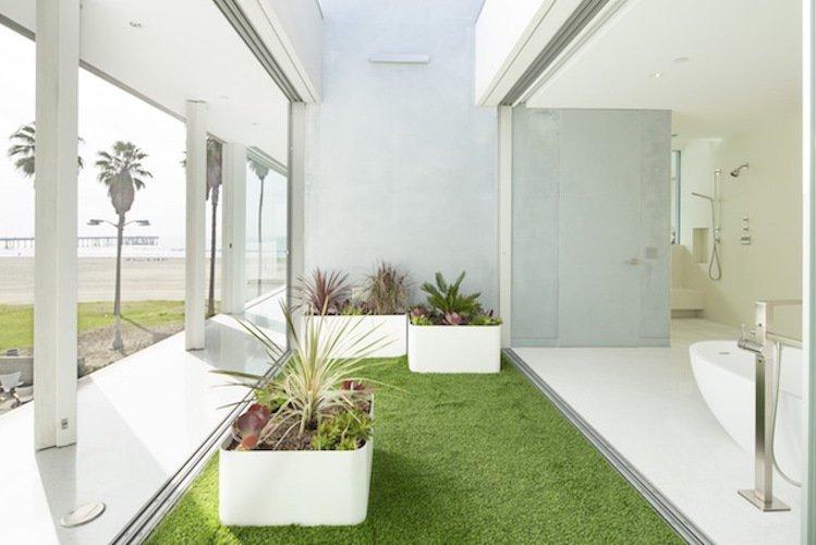 #danbrunn #flipflop #beachfront #residence #venice #california #glass #bathroom #indoor #outdoor #interior #exterior