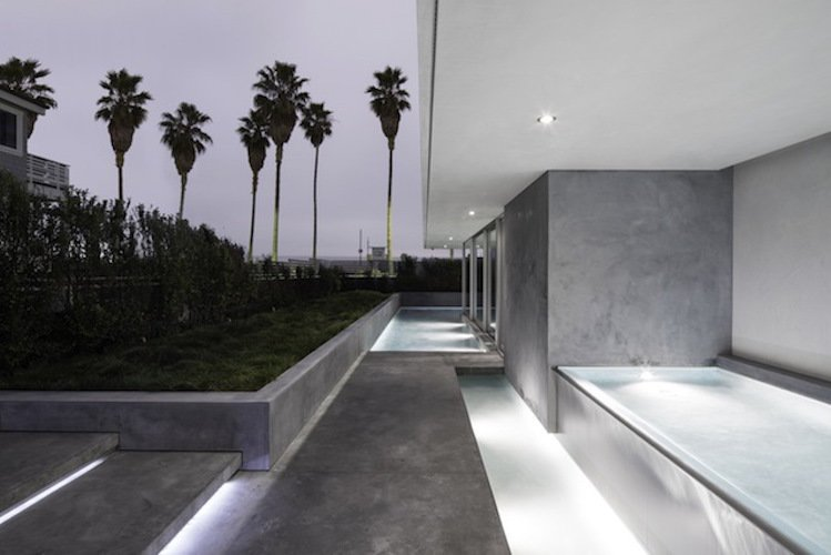 #danbrunn #flipflop #beachfront #residence #venice #california #pool #concrete #exterior   Flip Flop Residence by DBArchitecture