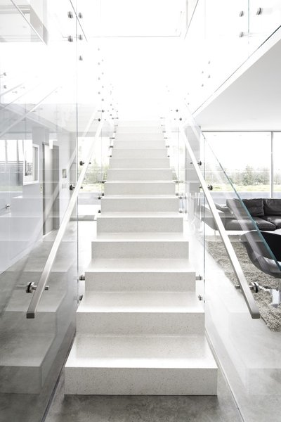 #danbrunn #flipflop #beachfront #residence #venice #california #glass #livingroom #stairs #windows #interior  Photo 5 of Flip Flop Residence modern home
