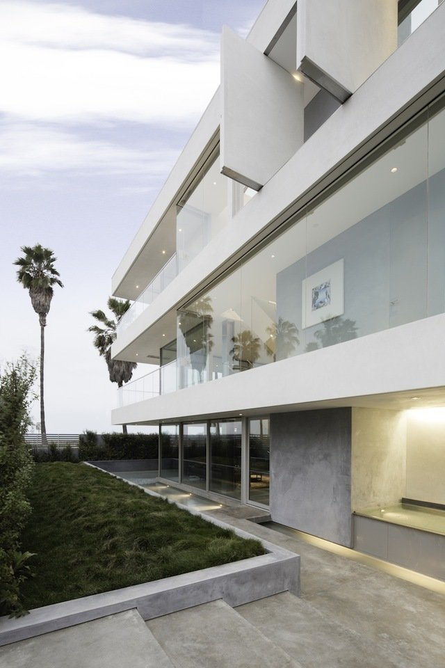 #danbrunn #flipflop #beachfront #residence #venice #california #glass #windows #exterior   Flip Flop Residence by DBArchitecture