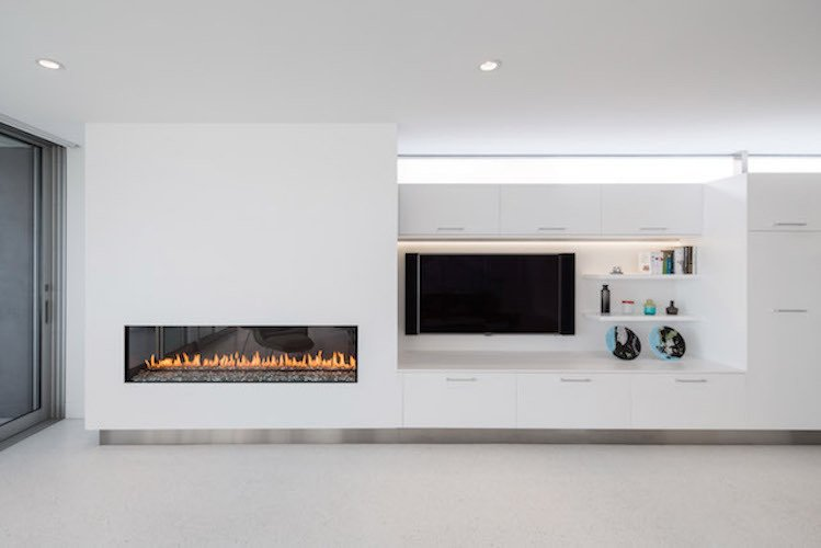 #danbrunn #zigzag #residence #beachfront #venice #california #livingroom #fireplace #interior