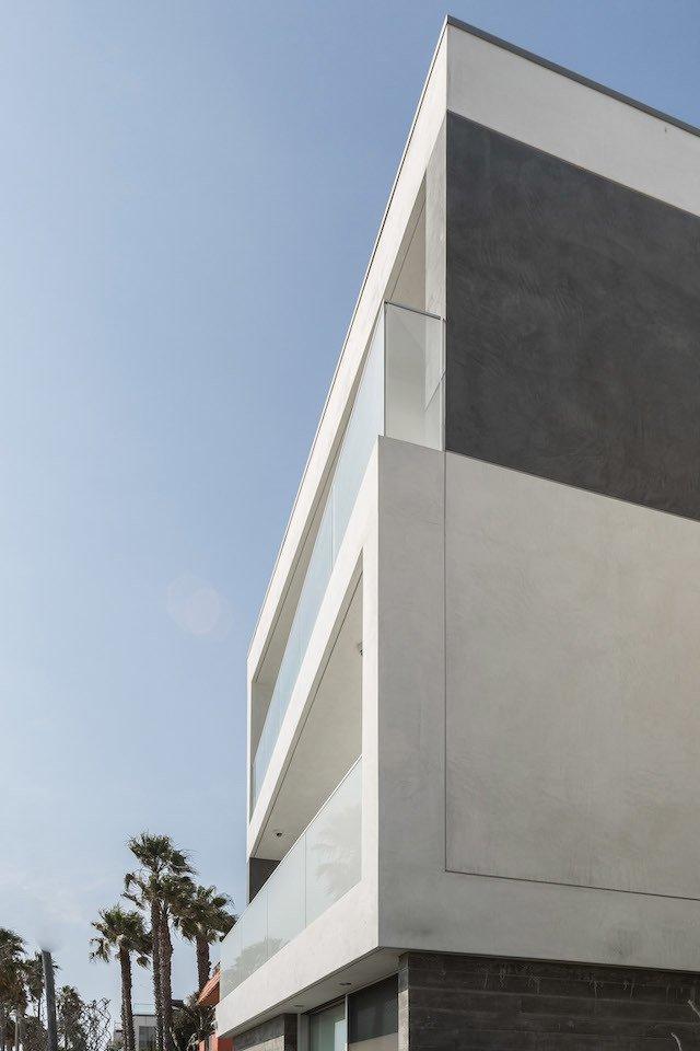 #danbrunn #zigzag #residence #beachfront #venice #california #glass #windows #exterior  Zig Zag Residence by DBArchitecture