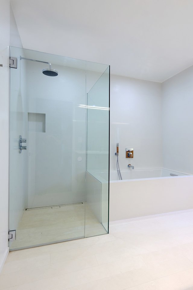 #danbrunn #hayvenhurst #residence #remodel #losangeles #california #glass #bathroom #shower #bathtub #interior  Hayvenhurst Remodel by DBArchitecture