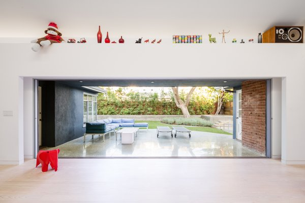 #danbrunn #no9dream #residence #losangeles #california #indoor #outdoor #interior #patio #yard #renovation  No. 9 Dream Residence by DBArchitecture