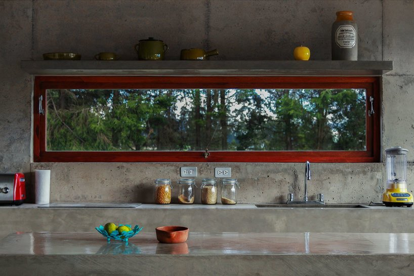 Poured by hand on site, nearly the entire structure of the El Quinche House—including the kitchen counters and sinks—was made of concrete sourced from a local quarry.