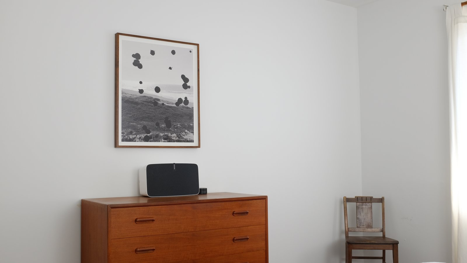In the bedroom, a Sonos Play:5 is connected to Amazon Echo, enabling the residents to cycle through songs and podcasts using voice commands. The L.A. Home of Song Exploder's Hrishikesh Hirway Is Barely Larger  Than a Music Box - Photo 3 of 7