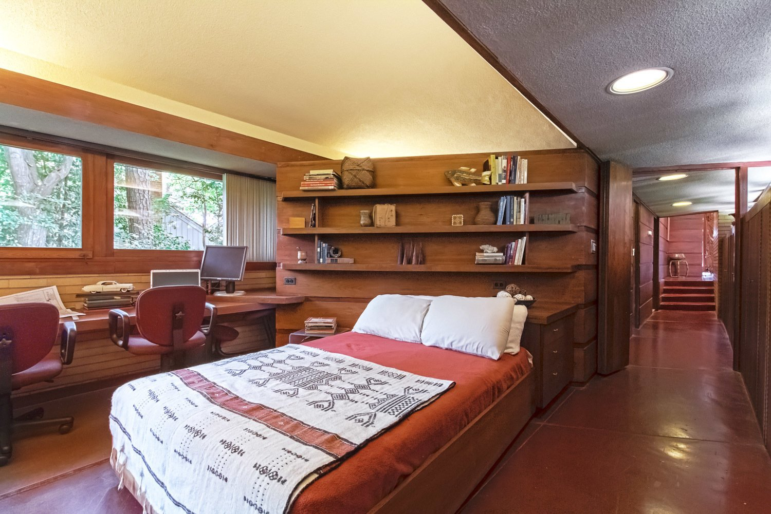 You Can Own One of Frank Lloyd Wright's Final Homes for $2.75 Million - Photo 5 of 7