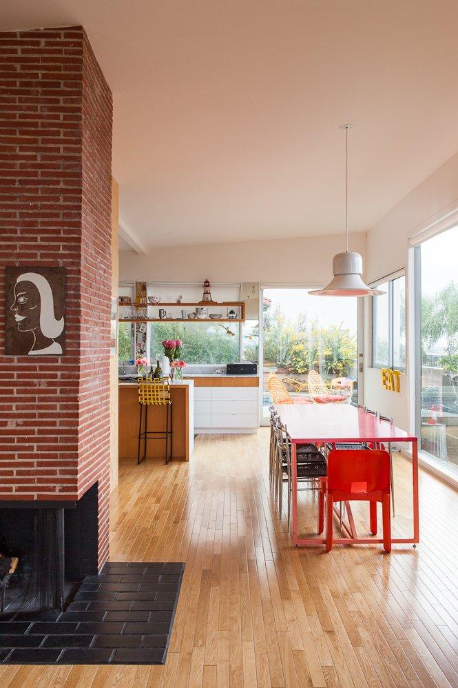 #SwanHouse #renovation #remodel #1950s #modern #interior #inside #indoors #dining #table #chairs #brick #wood #flooring #lighting #windows #2013 #LosAngeles #California #BarbaraBestor