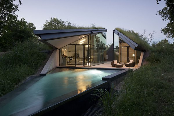 #EdgelandHouse #residence #modern #sunken #pithouse #landscape #pool #angles #exterior #outside #outdoors #structure #BercyChenStudio Photo 7 of Edgeland House modern home