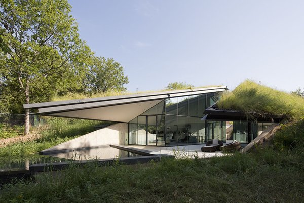 #EdgelandHouse #residence #modern #sunken #pithouse #landscape #structure #exterior #outside #outdoors #structure #BercyChenStudio Photo 6 of Edgeland House modern home