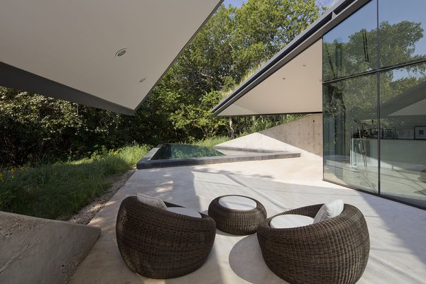 #EdgelandHouse #residence #modern #sunken #pithouse #seating #structure #exterior #outside #outdoors #structure #BercyChenStudio Photo 5 of Edgeland House modern home
