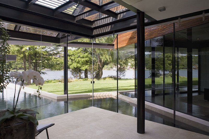 #PeninsulaResidence #lakeside #glass #steel #materials #modern #windows #lighting #outdoor #structure #interior #inside #indoors #LakeAustin #BercyChenStudio The Peninsula Residence by Bercy Chen Studio