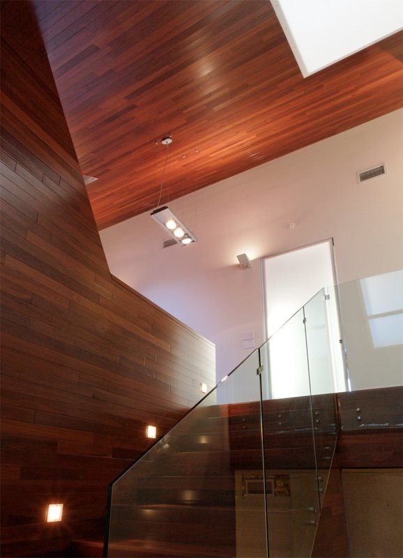#PeninsulaResidence #lakeside #glass #steel #materials #modern #angles #staircase #structure #interior #inside #indoors #LakeAustin #BercyChenStudio