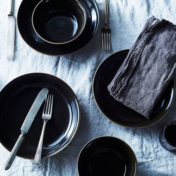 Black Japanese Ceramic Dinnerware (Set of 4)