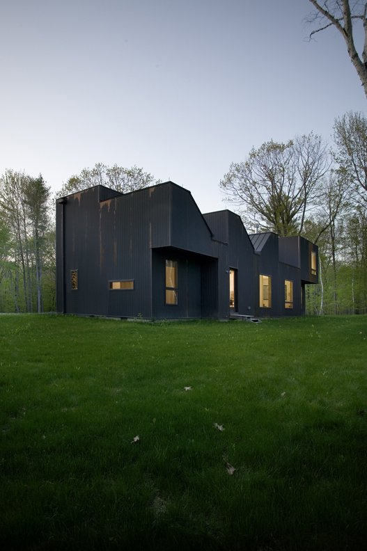 #CopperHouse #modern #corrugatedcopper #patina #transformation #structure #form #exterior #outside #outdoors #landscape #lighting #HudsonValley #JaredDellaValle #BernheimerArchitecture  Copper House Hillsdale by Bernheimer Architecture