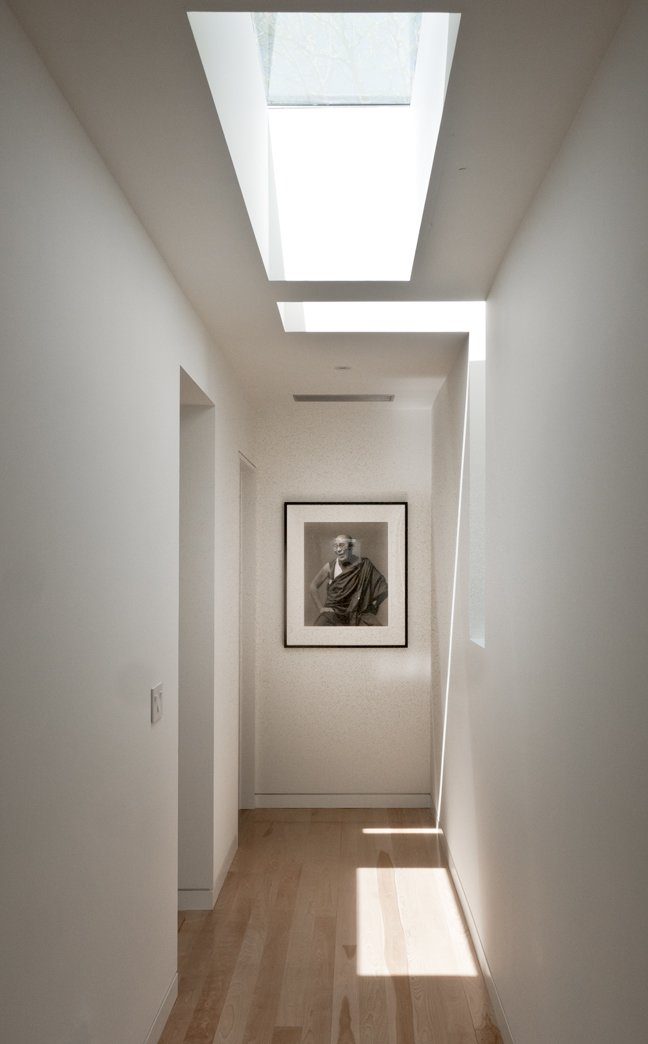 #LightboxWainscott #structure #form #stackedboxes #modern #interior #inside #indoors #hallway #skylight #lighting #naturallight #JaredDellavalle #BernheimerArchitects  Lightbox Wainscott by Bernheimer Architecture