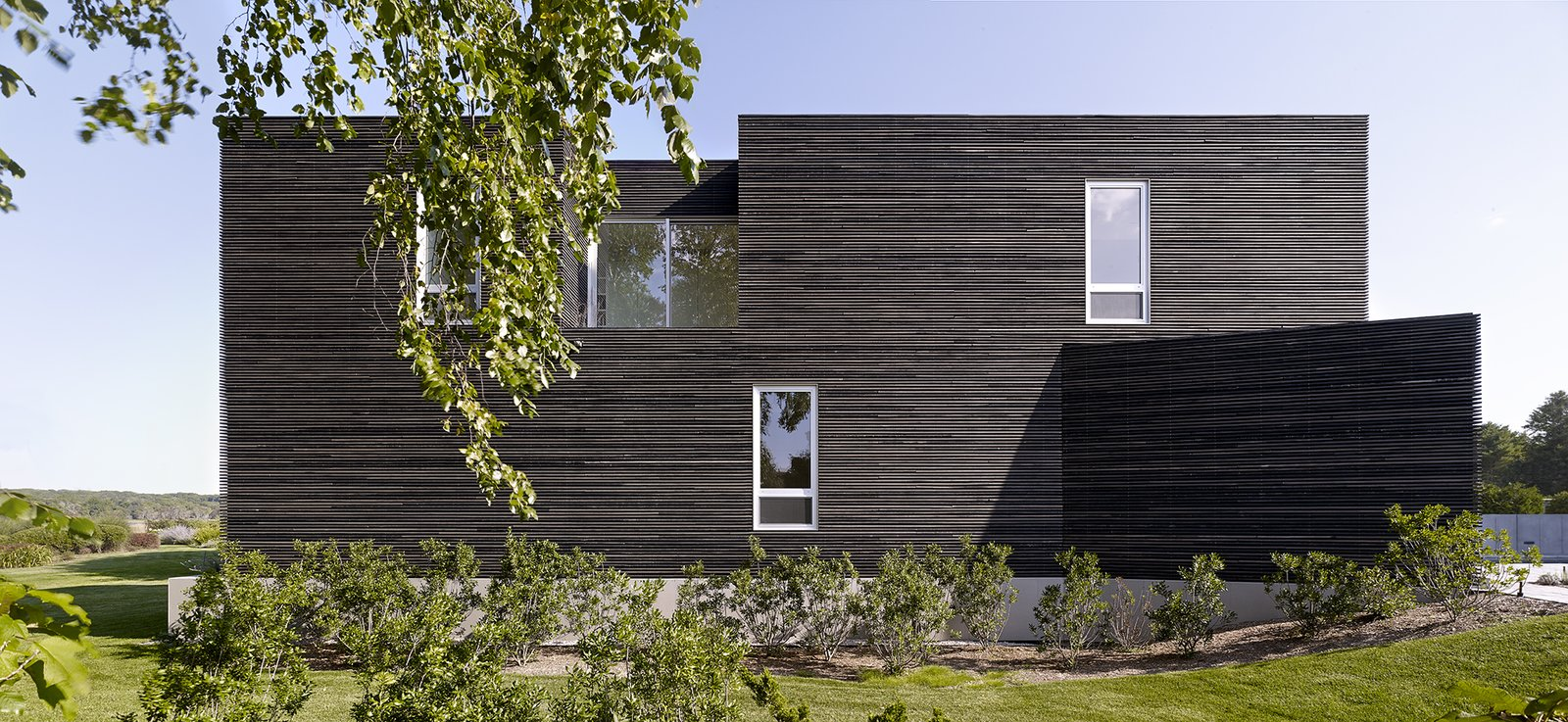 #QuonochontaugHouse #structure #form #coastal #exterior #outside #outdoors #landscape #geometry #modern #midcentury #RhodeIsland #BernheimerArchitects