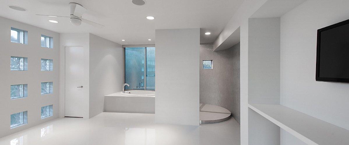 #FlynnRedux #modern #structure #midcentury #residence #interior #inside #indoor #bathroom #tub #windows #lighting #closet #door #coLABstudio  Flynn Redux by coLAB studio