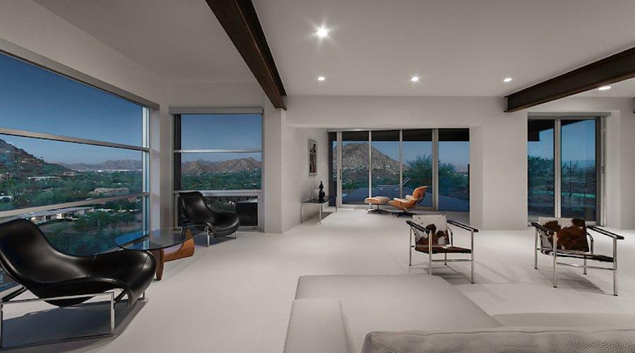 #FlynnRedux #modern #structure #midcentury #residence #interior #inside #indoor #livingroom #lighting #windows #naturallight #view #minimal #coLABstudio