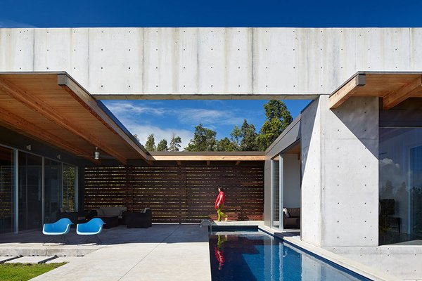 #modern #architecture #modernarchitecture #exterior #outdoor #concrete #glass #pool #minimal #BigIsland #Hawaii #CraigSteely #CraigSteelyArchitecture