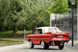 The Amphicar 770 Is A Car No One Understands, Everyone Loves - Photo 1 of 11 -