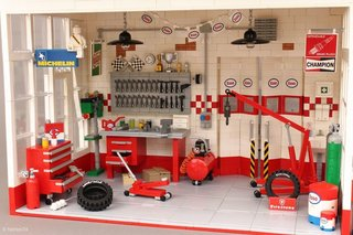 A Modernist Gas Station Made From Lego Is Fit For Any Shelf - Photo 3 of 6 -